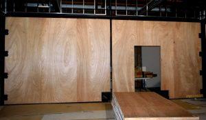 Large Warp-free Pivot Door